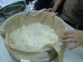 11062007a-027steam-rice.jpg