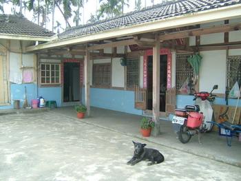 t11232007-049house.jpg